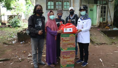 Camat Tigaraksa Renovasi Rumah Tidak Layak Huni Milik Seorang Janda, Yang Nyaris Ambrol