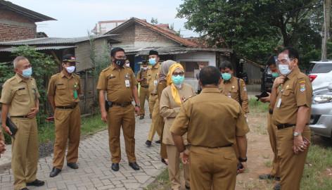 Satgas COVID-19 Kunjungi Masyarakat Isolasi Mandiri di Desa Cangkudu Balaraja